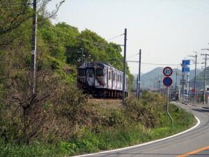 滝の音、電車の音