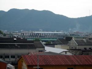 第3加古川橋梁を渡る125系