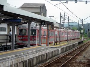 粟生駅神戸電鉄3000系