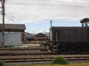 DD403と雪の伊吹山
