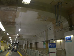 阪神三宮3番線終端