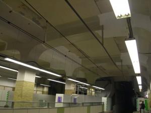 阪神三宮駅天井