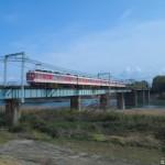 加古川を渡る神鉄1100系1121F
