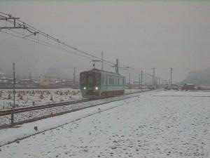 雪の加古川線久下村谷川125系