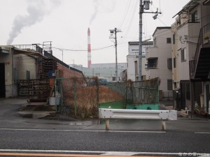 尼崎市中在家臨港線跡空き地