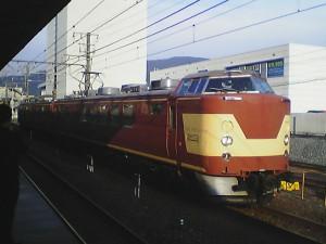 山科駅下り443系2009年8月26日17時49分山科駅