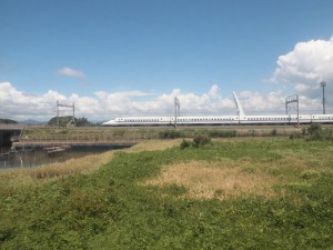 新幹線と併走