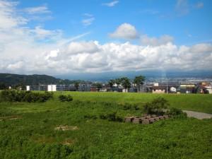 富士川より雲中の富士山