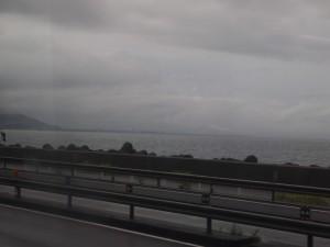 雨の駿河湾120814
