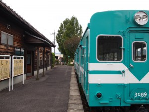 旧鍛冶屋駅と鍛冶屋バス停