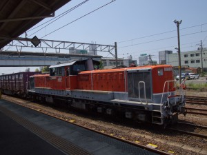 DD51牽引コンテナ貨物