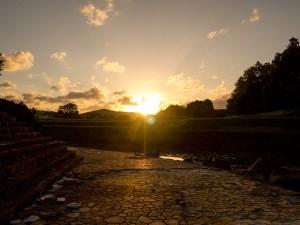 朝日が吉川の地を照らす