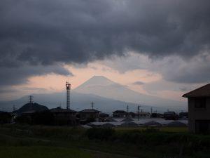 韮山反射炉近くから見た富士山