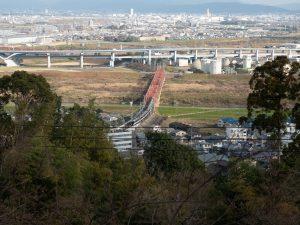石清水八幡宮展望台より京阪3000系特急